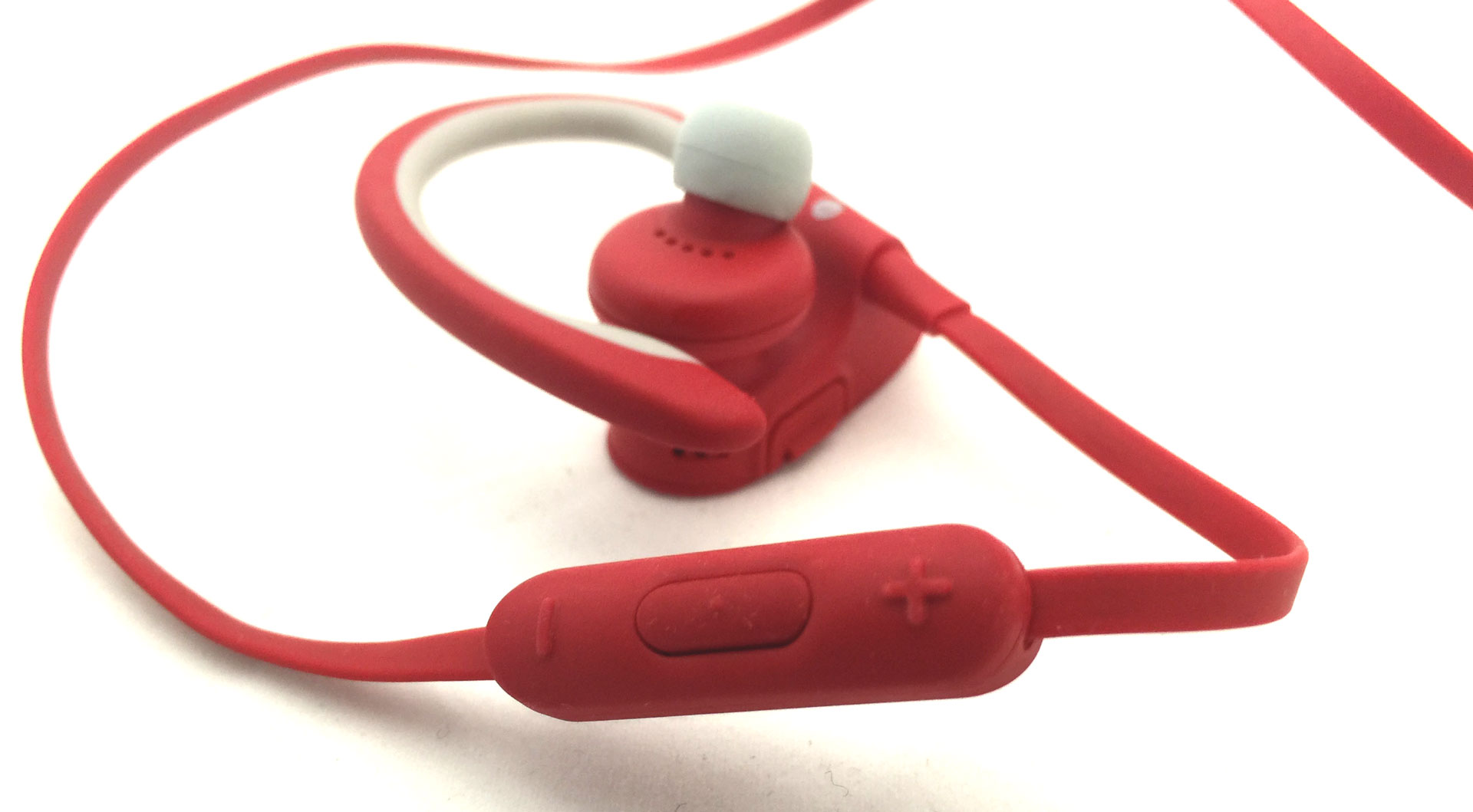 Beats-Powerbeats2-inline-remote