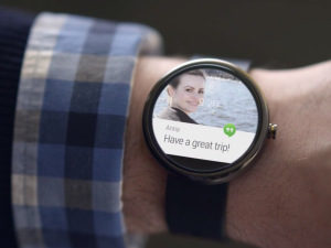 Android Wear Moto