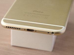apple-iphone-6-plus-lightning