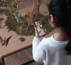 Sir David Attenborough brings dinosaurs to your table with the help of AR